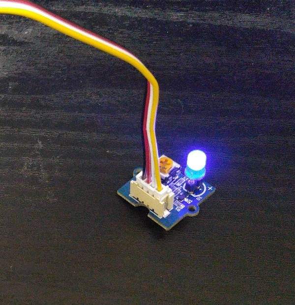 wio-node_grove-relay_usb-cable_iot-hack_1